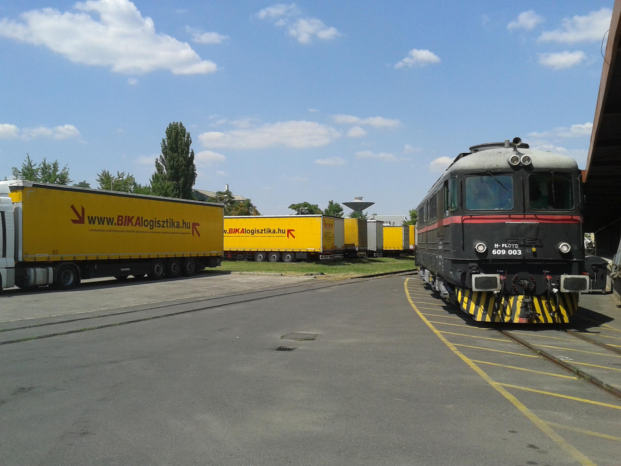 vasúti különvonat